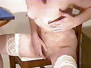 Naked MILF shows pussy with selfie