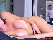 Brunette milf squirt with cumshot