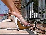 Super Sexy Milf Ava Lustra