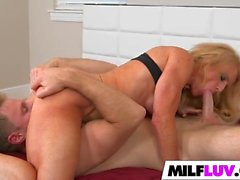 Big butt MILF Amanda Verhooks gets rammed