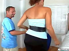 Curvy latina MILF gets nailed in bedroom