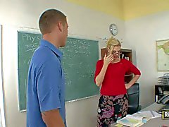Four eyed MILF teacher Darryl Hanah is sex hungry