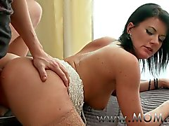 MOM Mature women that like it from behind