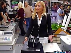 Blonde sexy MILF takes a pawn shop facial