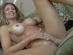 Cumshot leaks out of milf Latina