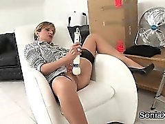 Unfaithful uk mature gill ellis pops out her large boobs