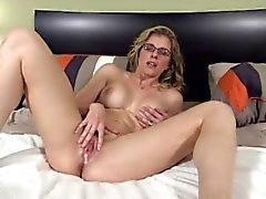 HOt MILF need huge creampie load