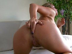 Destiny Dixon enjoys fingering her own sweet pussyhole