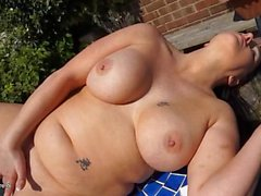 Chubby naked English girl masturbates outdoors