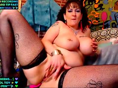 Big Tits Milf Plays For You